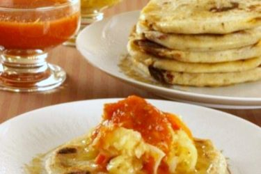 Pupusas de Queso (Cheese-Filled Pupusas), photo by Alicia Maher