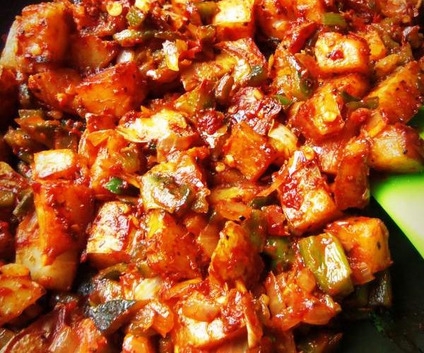 spicy potatoes and cheese