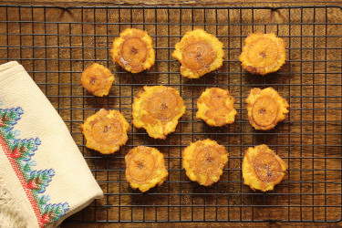 How to make tostones, photo by Santiago Gomez de la Fuente