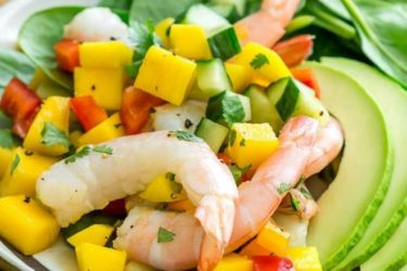 Avocado, Shrimp, Spinach and Mango Salad, photo by Hispanic Kitchen