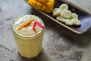 Banana and Mango Yogurt Smoothie, photo by Estrella Benmaman