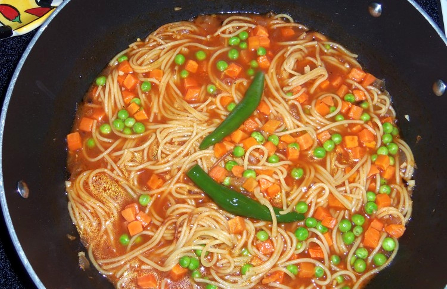 Sopa De Fideo Mexican Noodle Soup With Peas And Carotts