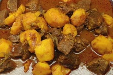 Carne con Papa (Meat and Potatoes), photo by Hispanic Kitchen