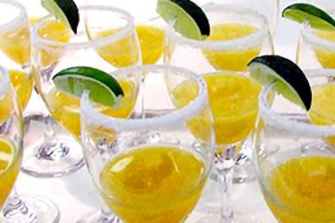 Mango Bellinis, photo by Hispanic Kitchen
