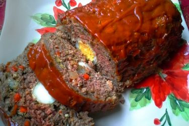 Pastel de Carne Navideño (Christmas Meatloaf), photo by Hispanic Kitchen