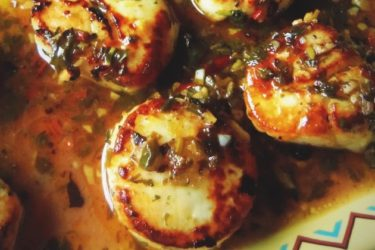 Seared Tequila Scallops in a Cilantro Chile Sauce, photo by Sonia Mendez Garcia
