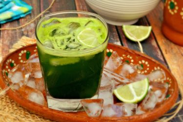 "Agua de Espinacas (""Spinach Water""), photo by Leslie Limón"