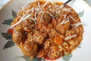 Pasta Con Albóndigas (Pasta With Meatballs), photo by Sonia Mendez Garcia