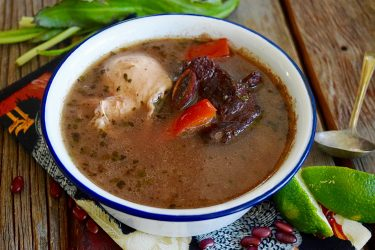 Sopa de Frijoles Hondureña (Slow Cooker Honduran Bean Soup), photo by Suellen Pineda, RDN, CDN