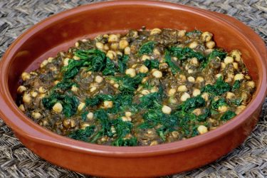 Espinacas con Garbanzos (Spinach and Chickpeas), photo by Jennifer Rice